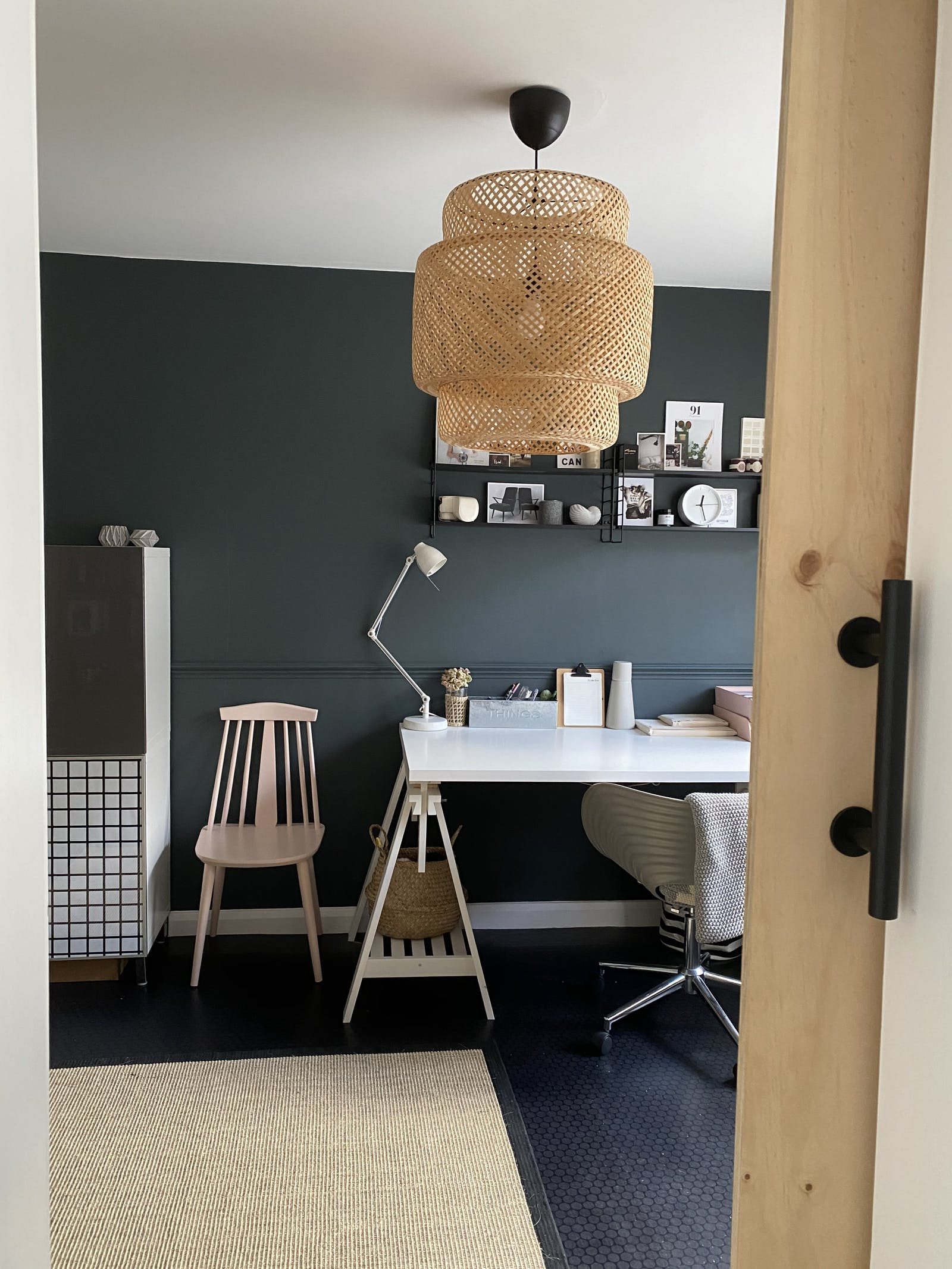 Workspace in a dark blue-grey colour with rustic details