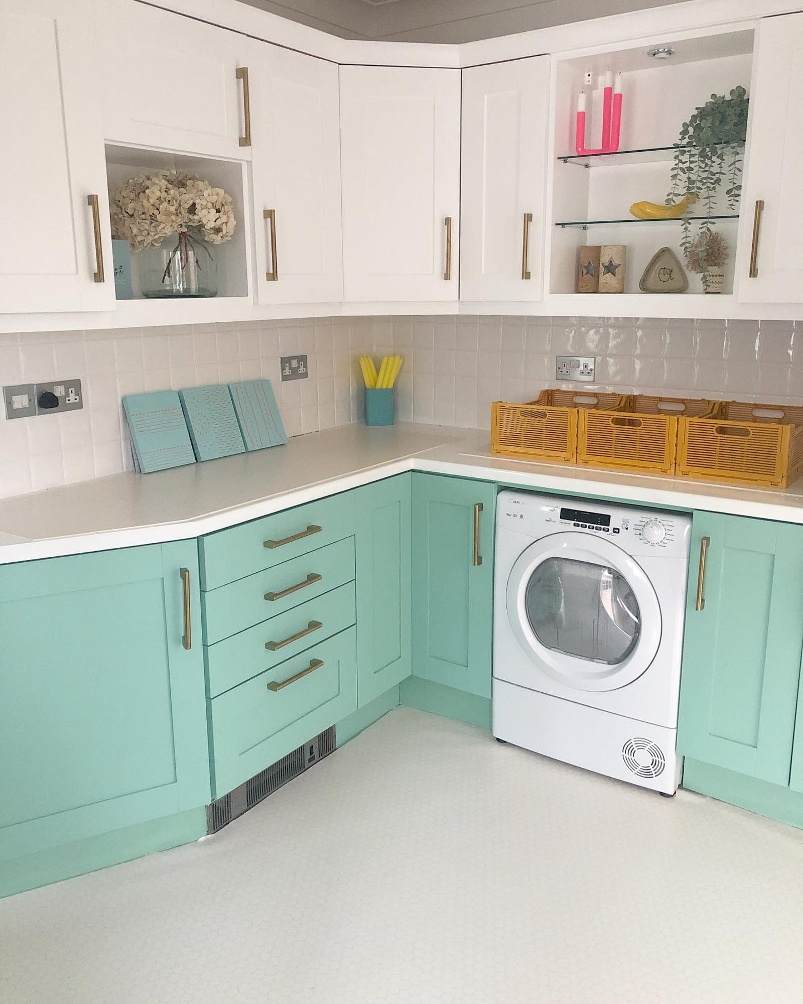Kitchen cabinets painted in bright Green 08