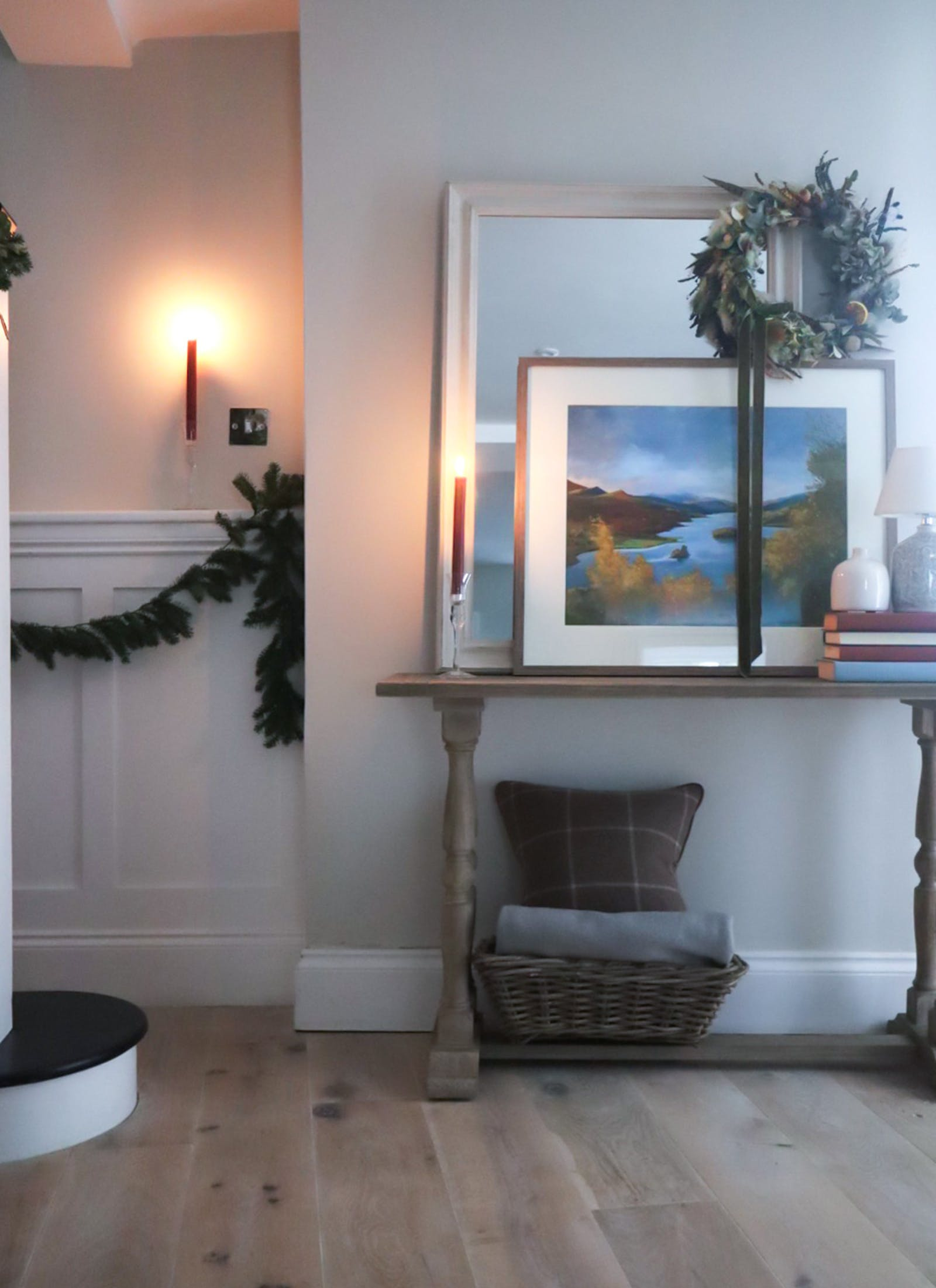 Hallway decoration in Christmas foliage and candles