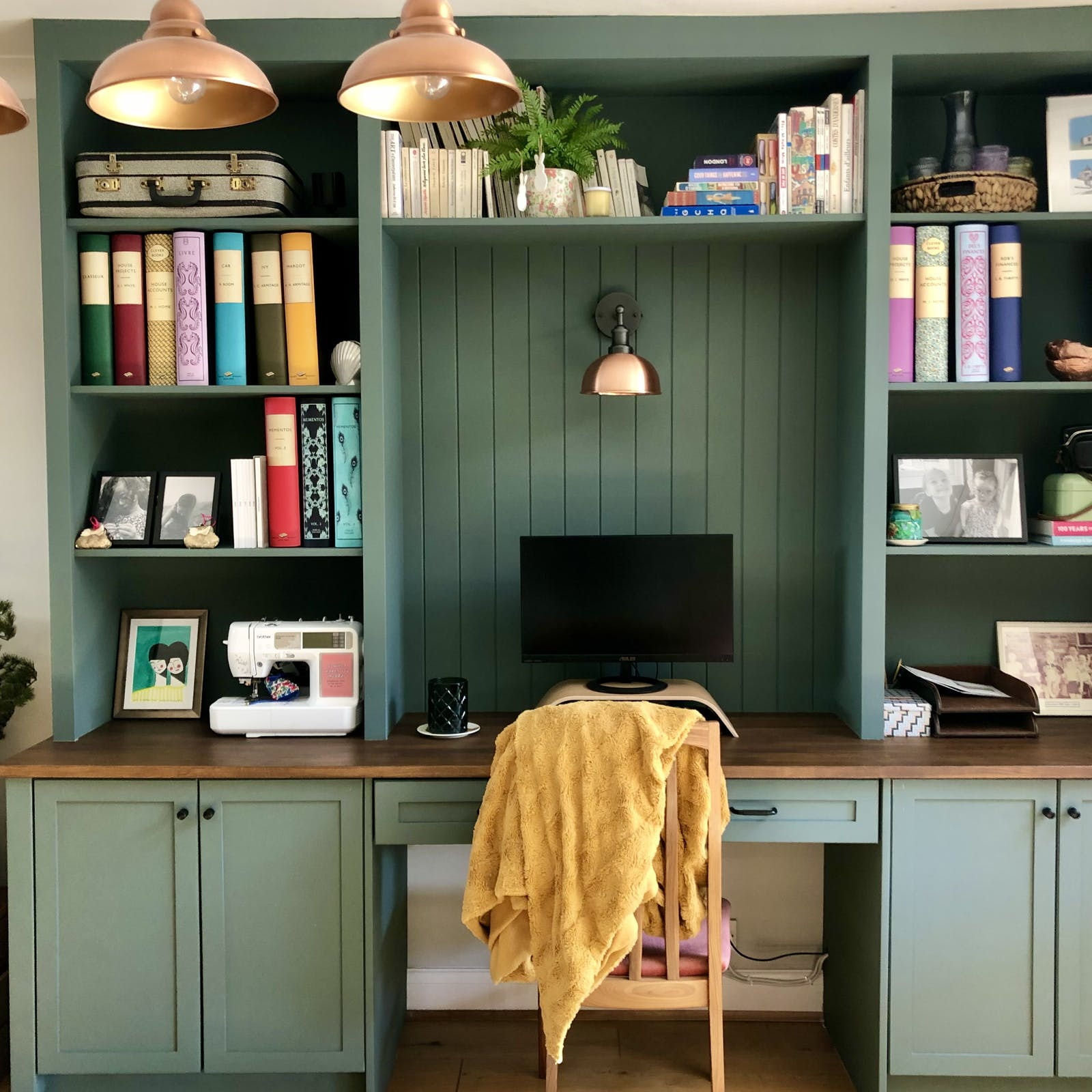 Office space bookshelves painted in Green 03
