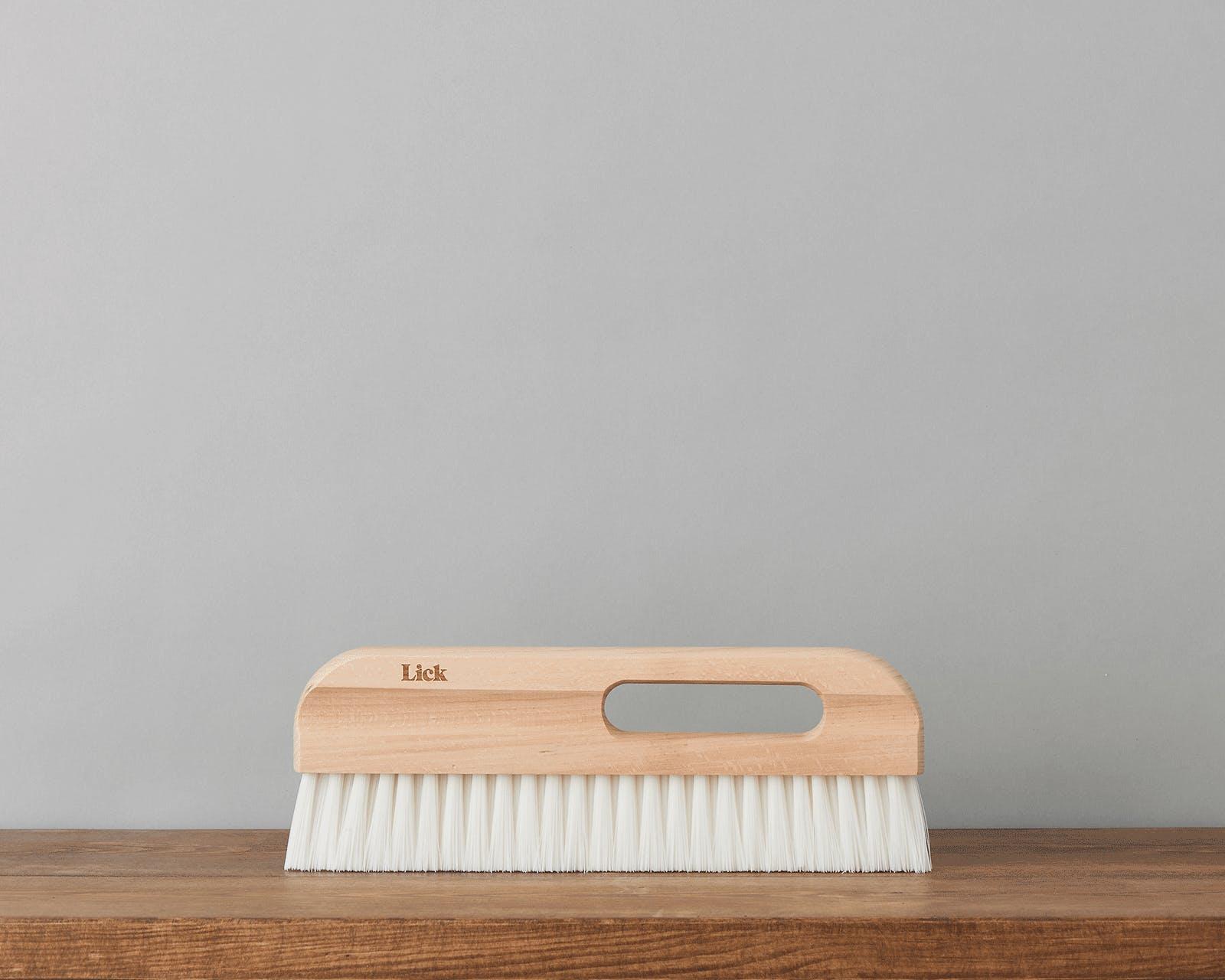Lick Wallpaper Brush