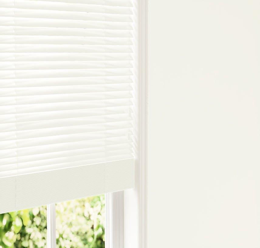 Lick White 01 Venetian fine grain blinds against White 01 wall