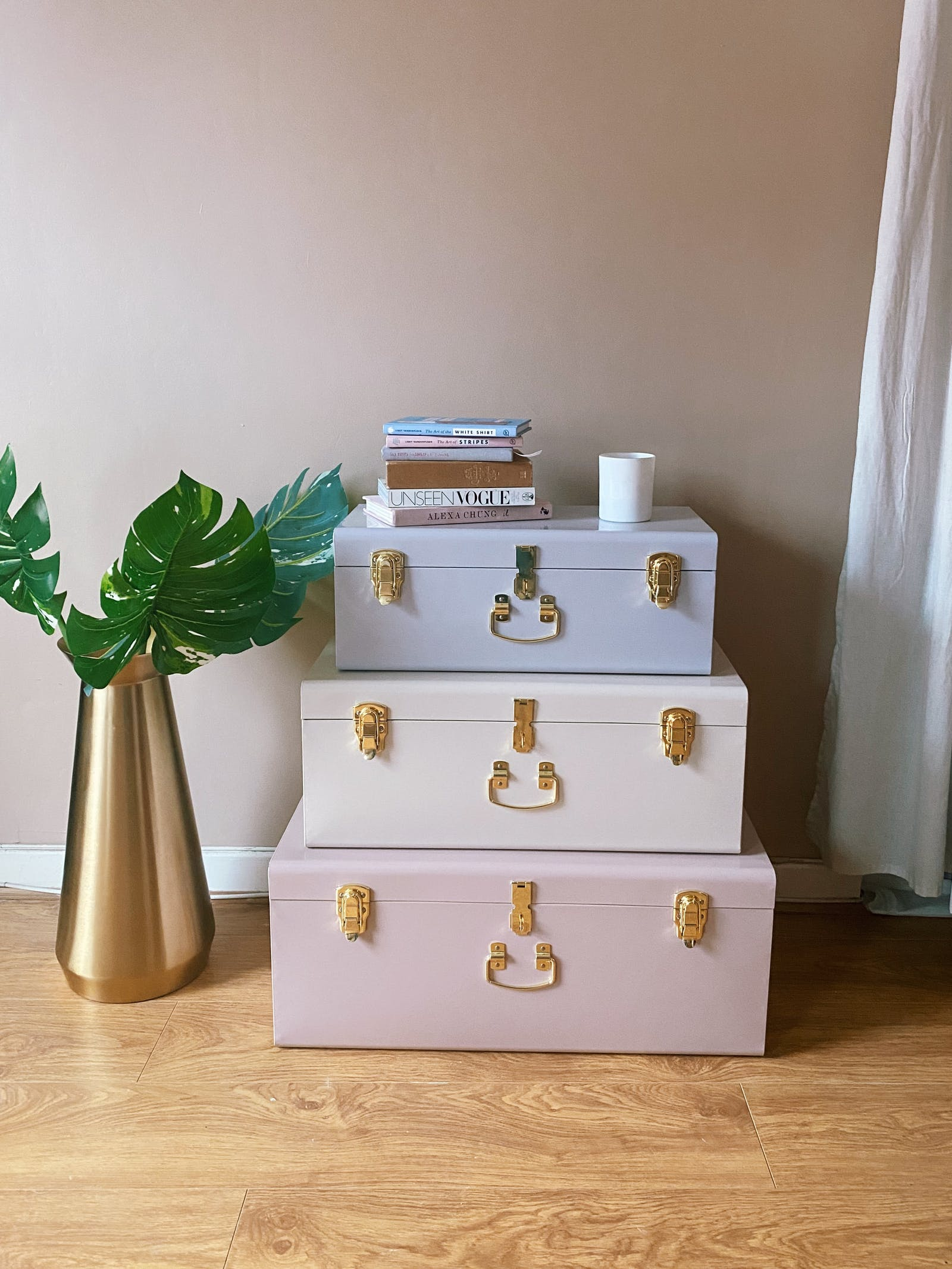 Three storage boxes in pastel colours