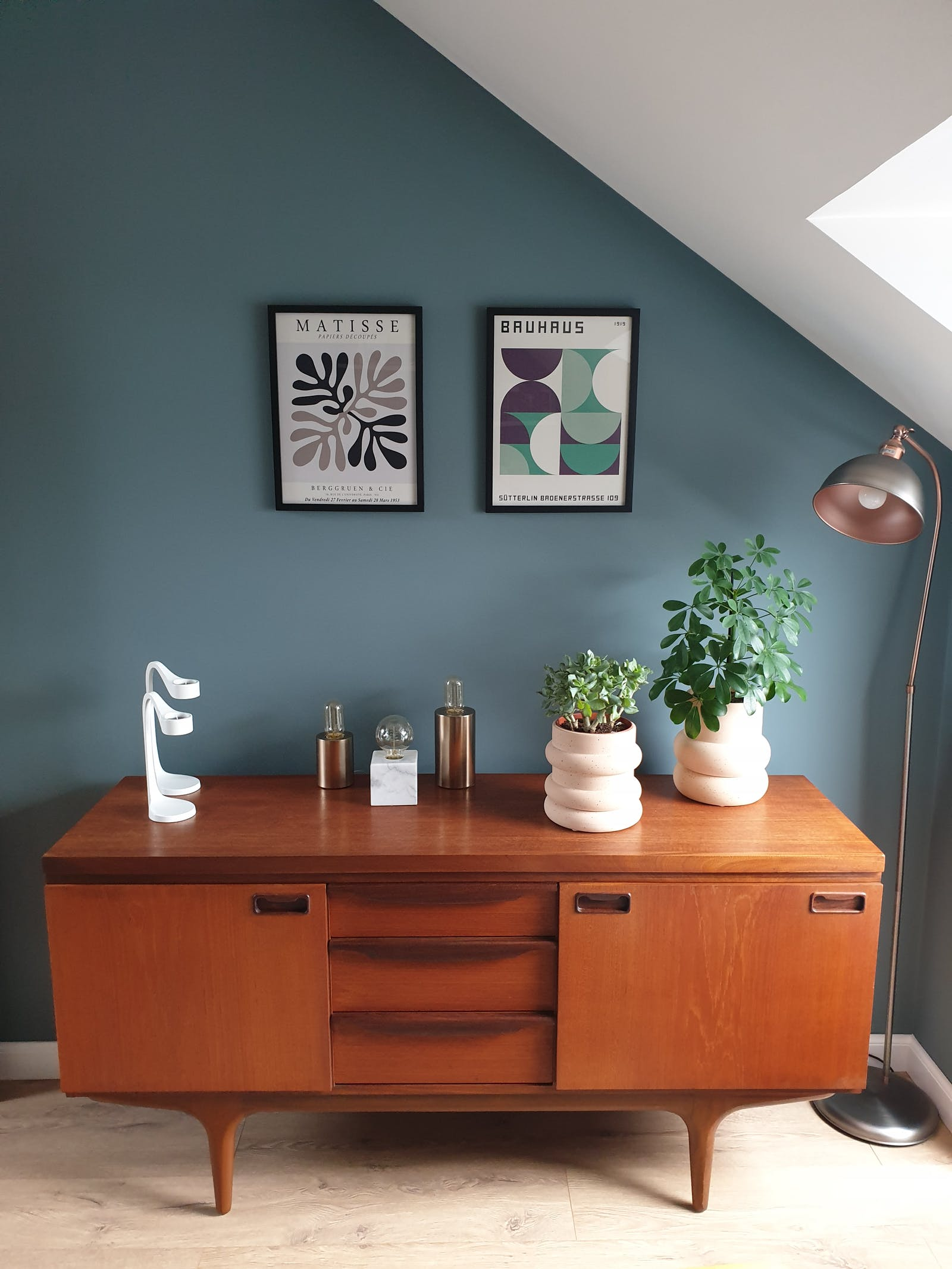 Teal 02 painted walls with 60s inspired warm wooden console