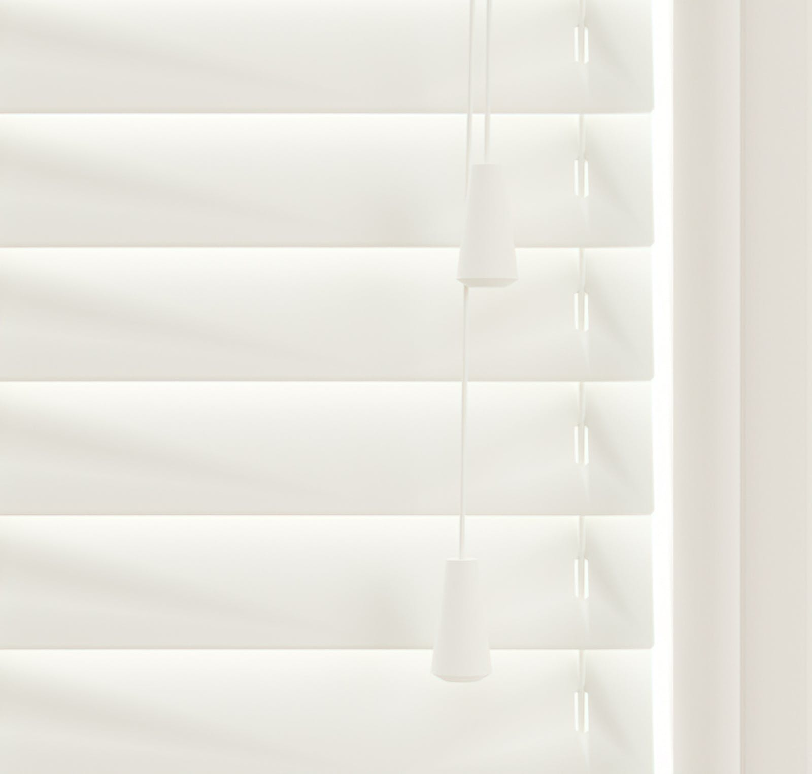 Close up view of Lick White 01 Venetian blinds
