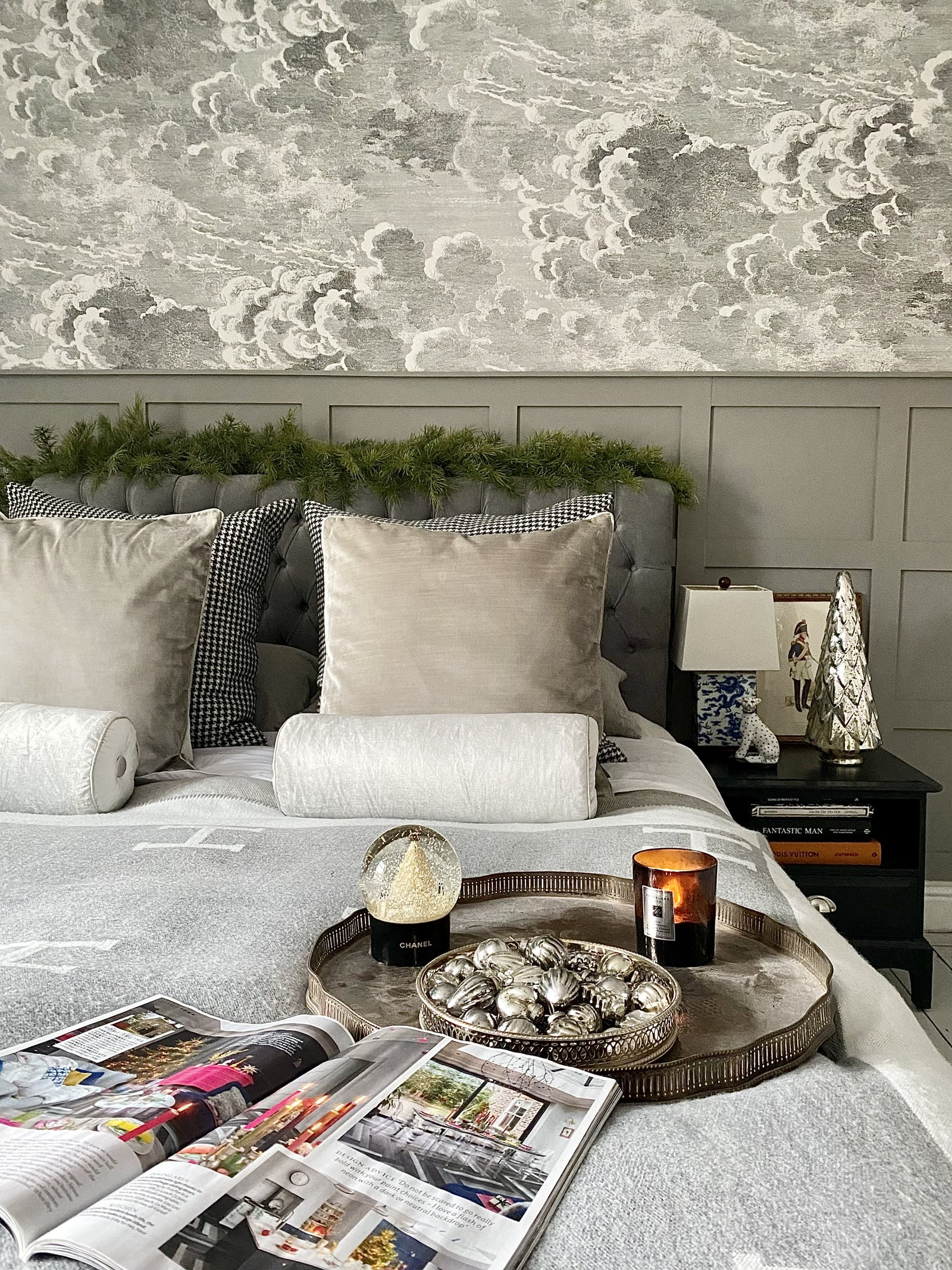 Neutral bedroom with subtle Christmas decorations