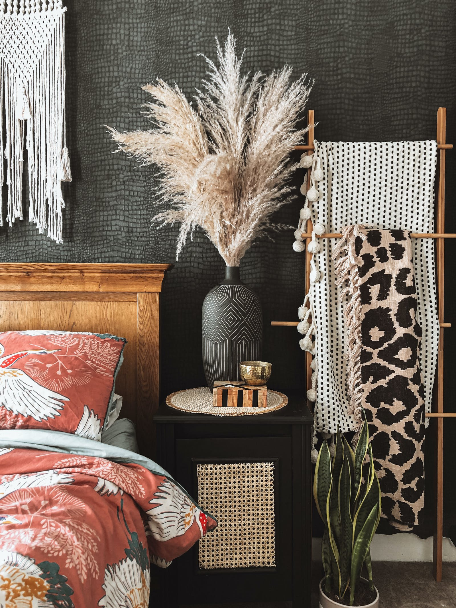 Bedroom details with a lot of textures and boho styling