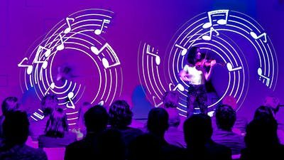 Live LED show with violin player and  LED-visuals with musical notation.