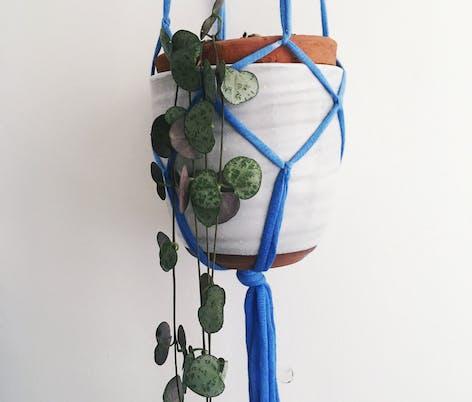 how to make macrame plant holder tutorial by christine leech