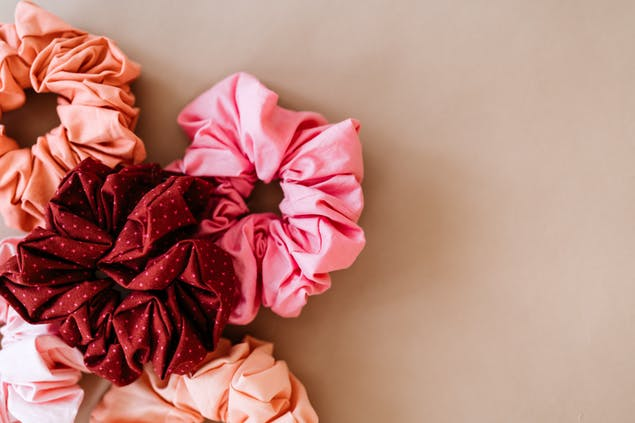 scrunchie hand sewing project