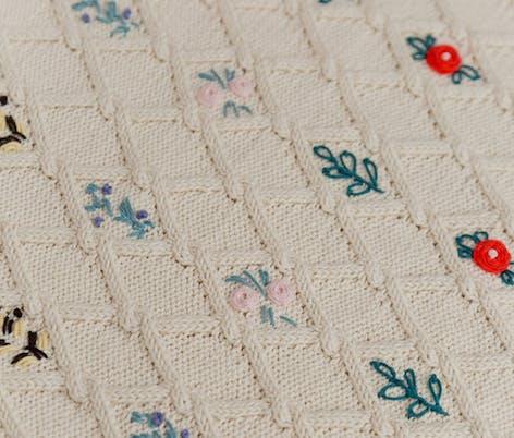 Krans jumper midsummer floral embroidery
