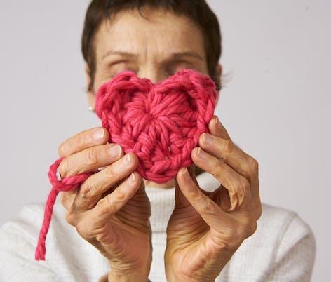 knitted love heart super chunky yarn
