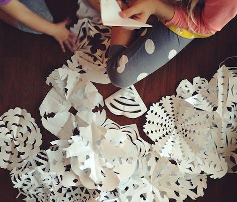 The Vanilla Tulip Papercraft Snowflakes