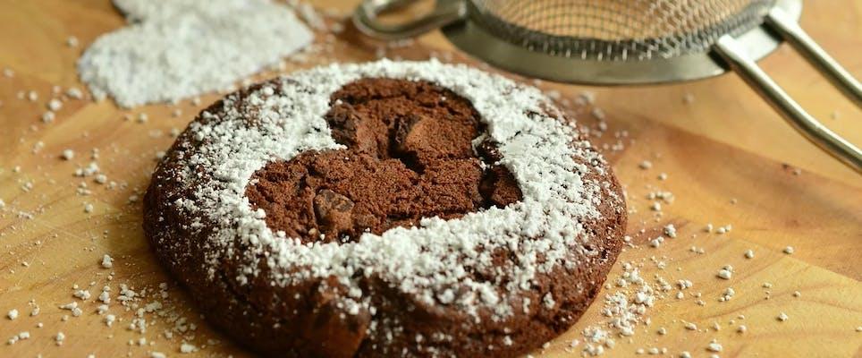 Torta calamita all'uncinetto!!! Cake fridge magnet crocheted ... | 400x964