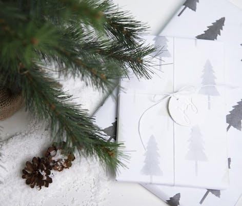 Sizzix Christmas tag idea