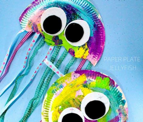paper plate jellyfish DIY