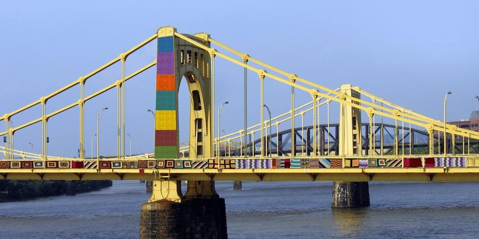 pittsurugh yarn bomb bridge