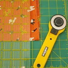 roller cutter and quilting fabric