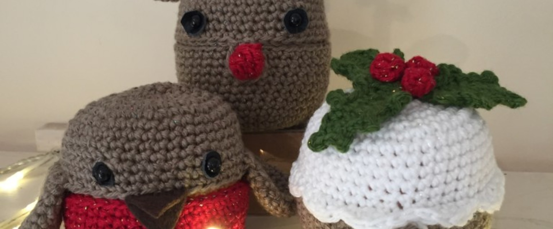 CHRISTMAS PUDDING  CHOCOLATE ORANGE COVER KNITTING PATTERN WOOL TO MAKE TWO