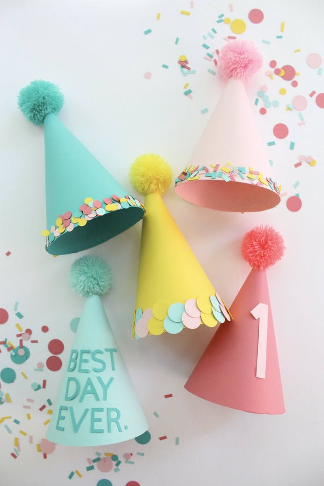 Paper party hat tutorial using LoveCrafts tutorial