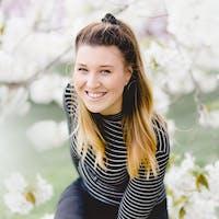 Abby Davies Bio Picture
