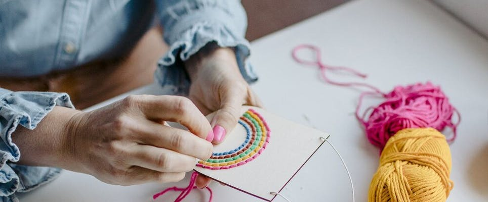simple embroidery rainbow project for summer