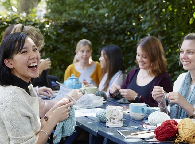 How to start a knitting group