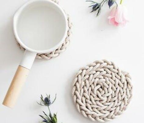 finger knit coaster