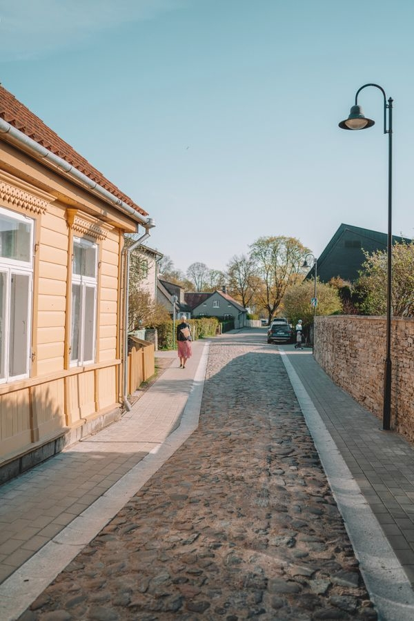 A qui incombe l'entretien du trottoir devant chez soi