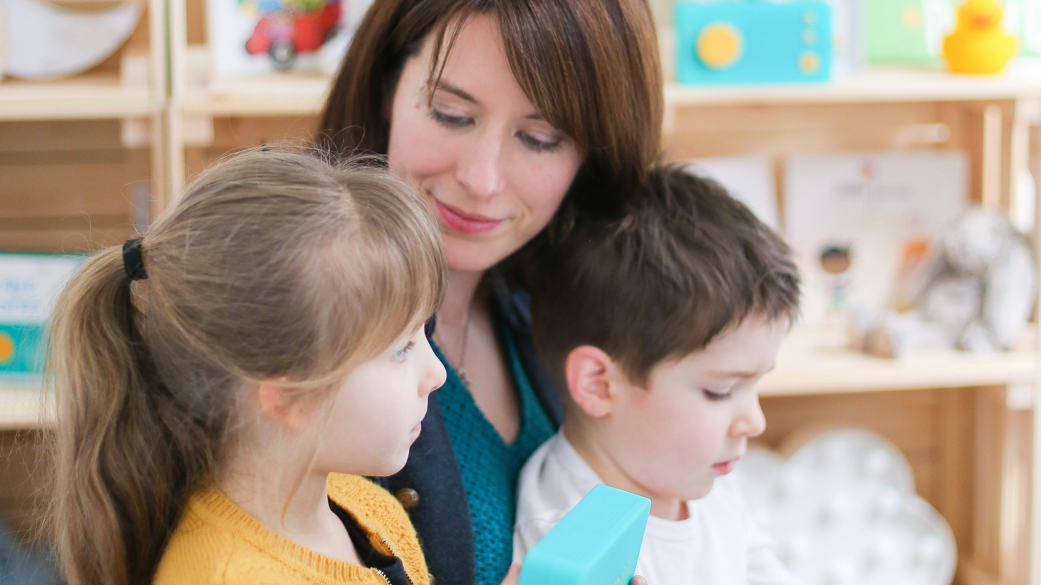 Des histoires pour créer et éveiller l'imagination tout en apprenant et en partageant avec famille et amis.