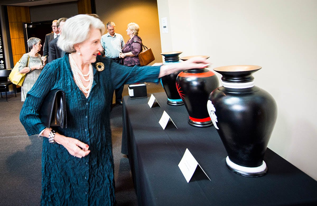 Lysicrates Prize 2015 Janet McDonald casting her vote