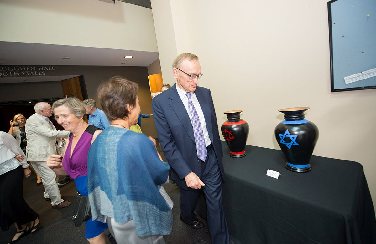 Lysicrates Prize 2016 Bob Carr and Helena Carr debating who to vote for