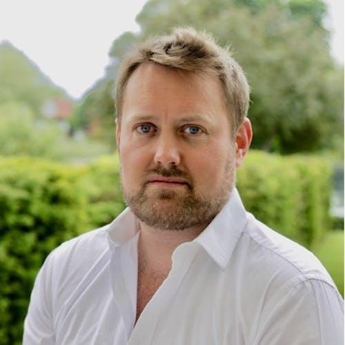 Adam Williams (Sven)