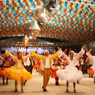 Ônibus para as maiores festas Juninas do Brasil