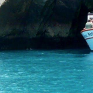 Visite a Gruta Azul em Arraial do Cabo