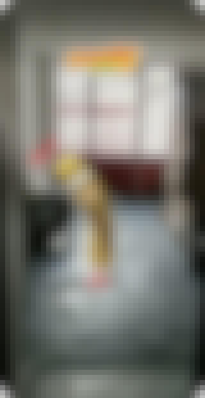 Snapchat : carambar in a room