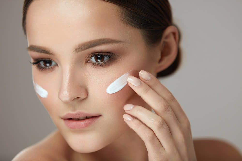 smokin woman with face cream