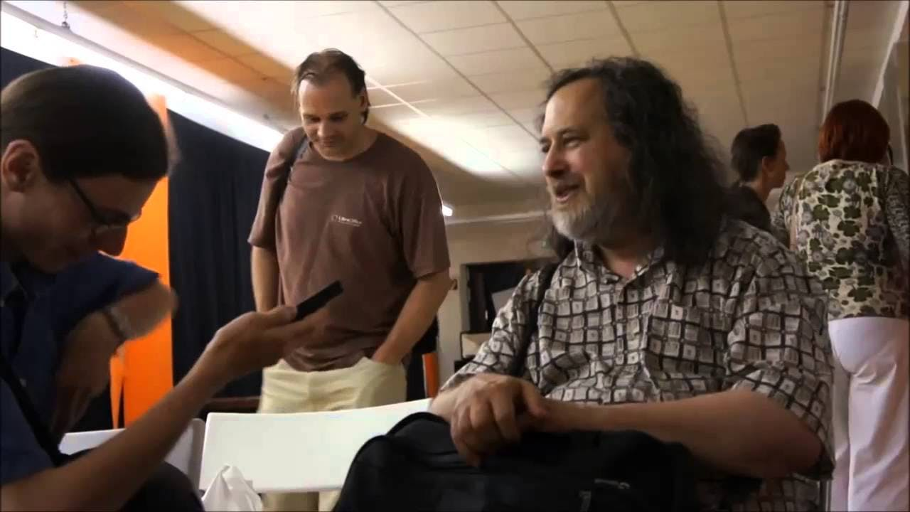 stallman saying he never installed gnu/linux