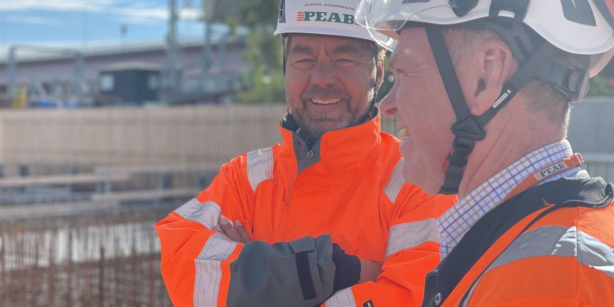 Från och med 2026 kommer Peab att använda fossilfritt stål i sina byggprojekt. Företaget har som första byggbolag ingått partnerskap med SSAB för att säkra sin tillgång.