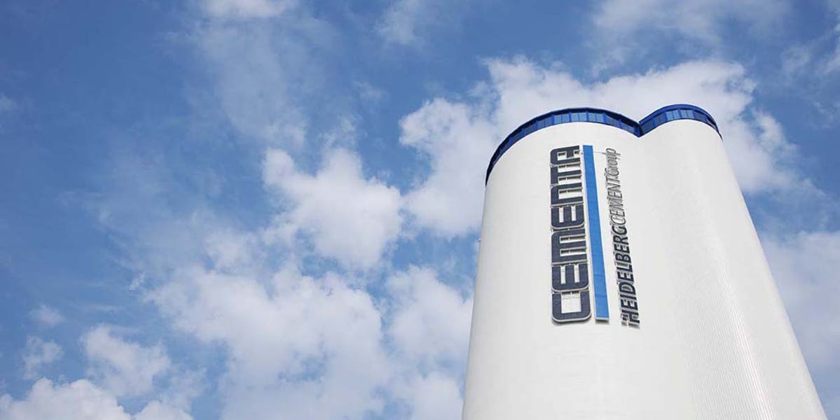 Cementa arbetar vidare på flera spår för att inte tappa produktion till sommaren, men det kommer inte att gå utan samverkan. Tiden är knapp.