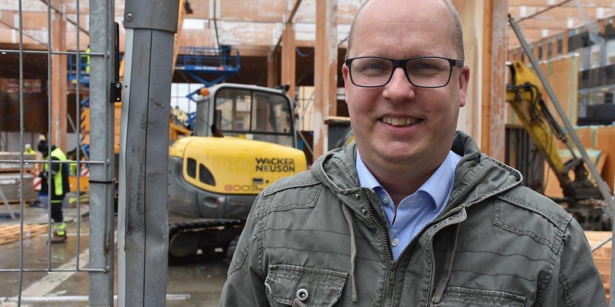 - Vi behöver mer information om hur den nya myndigheten är tänkt att arbeta. Men jag förutsätter att en del av resurserna som tillförs med start redan nästa år riktas till bygg- och anläggningssektorn och förstärker det arbete som myndigheterna i samverkan med arbetsgivare och fack driver sedan flera år tillbaka, säger Claes Thunblad.