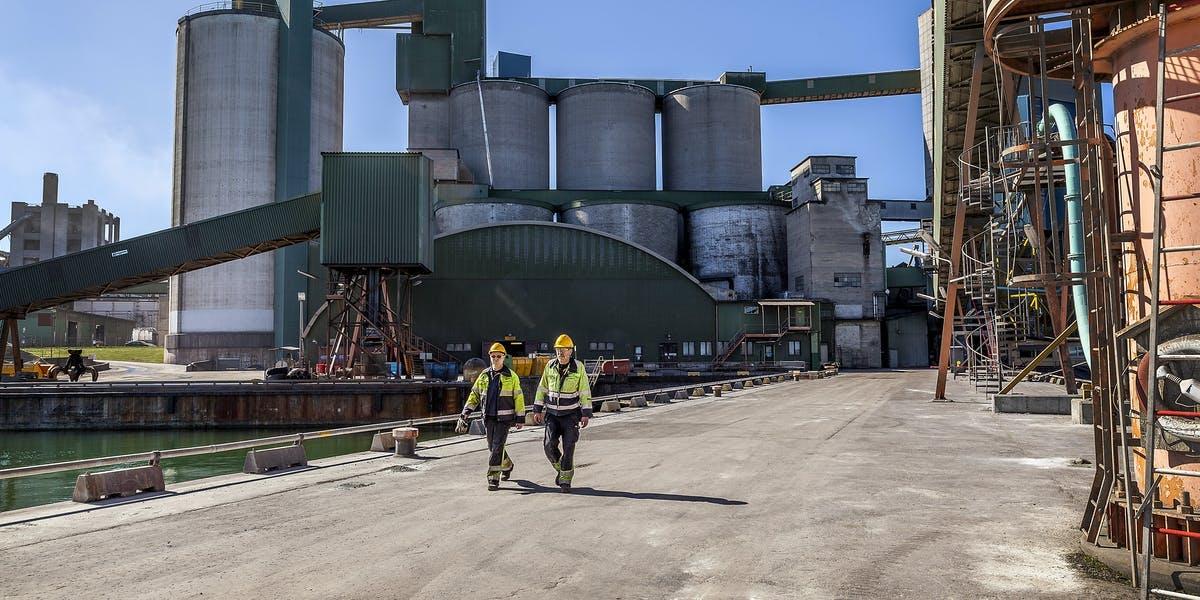 Cementa får stöd av regeringen med ny tillfällig lag som ska förlänga tillståndet att bryta kalk.