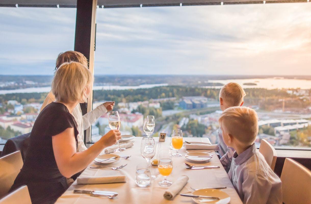 Suomen erikoisimmat ravintolat! Nämä 15 herkuttelukohdetta kannattaa kokea