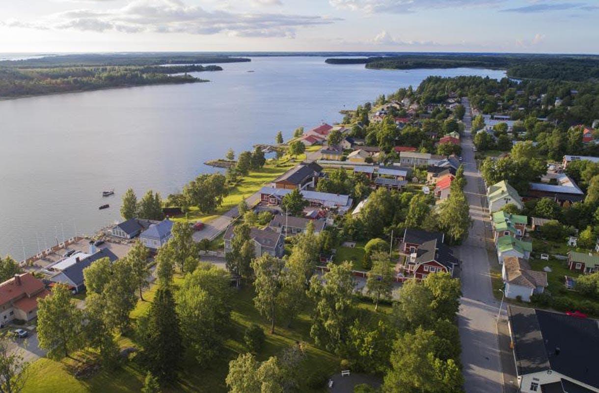 Kaskisten keskusta on rakennettu säntilliseen ruutukaavaan Ruotsin kuninkaan ohjeiden mukaisesti.