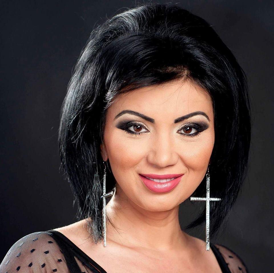 Adriana Bahmuțeanu, felicitată că a ales terapia minim invazivă