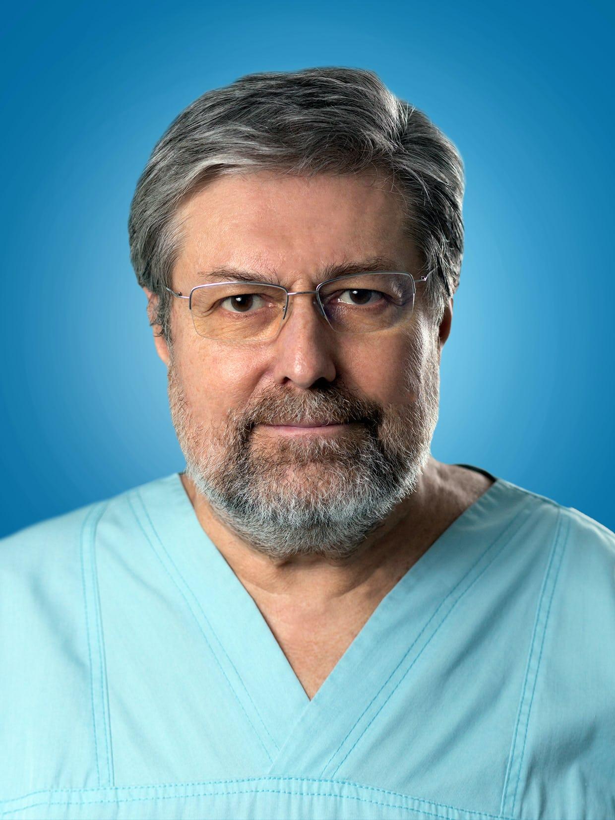 Doctor Lucian Zarma, medic primar cardiolog la Centrele Ares