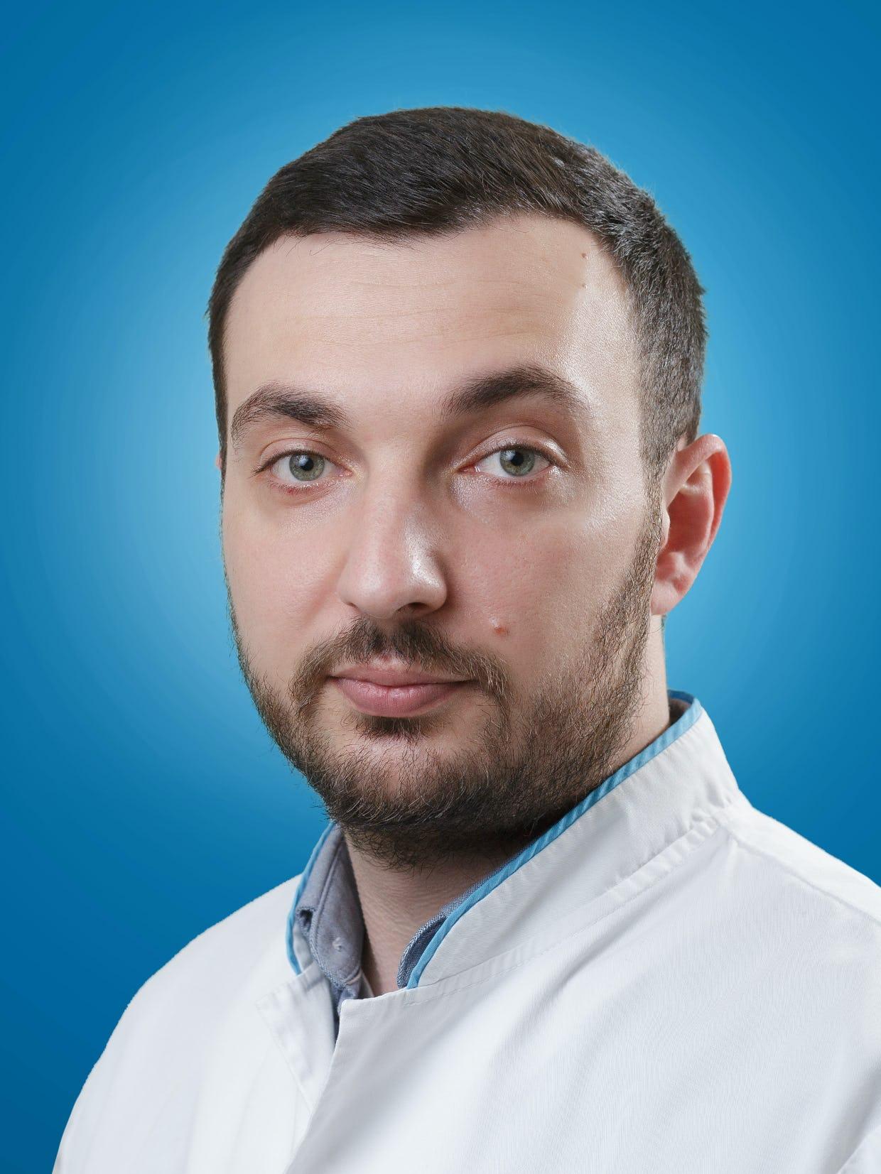 Dr. Dragos Caravasile  medic specialist radiolog