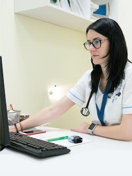 ARES – consultații online gratuite pentru pacienții cardiaci aflați în izolare din cauza epidemiei de coronavirus