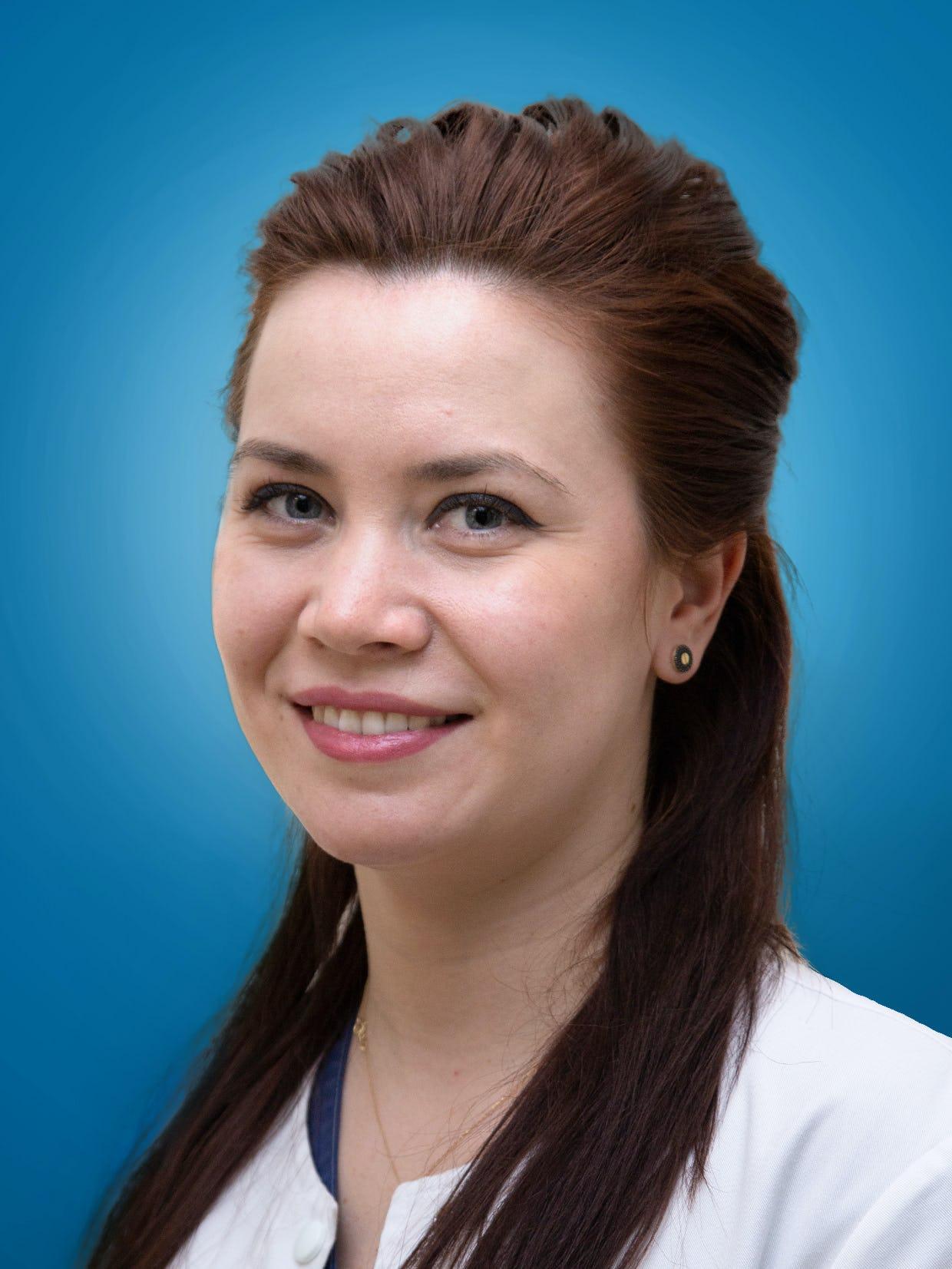 Dr. Veronica Soare   Medic Specialist Cardiolog   Centrele ARES