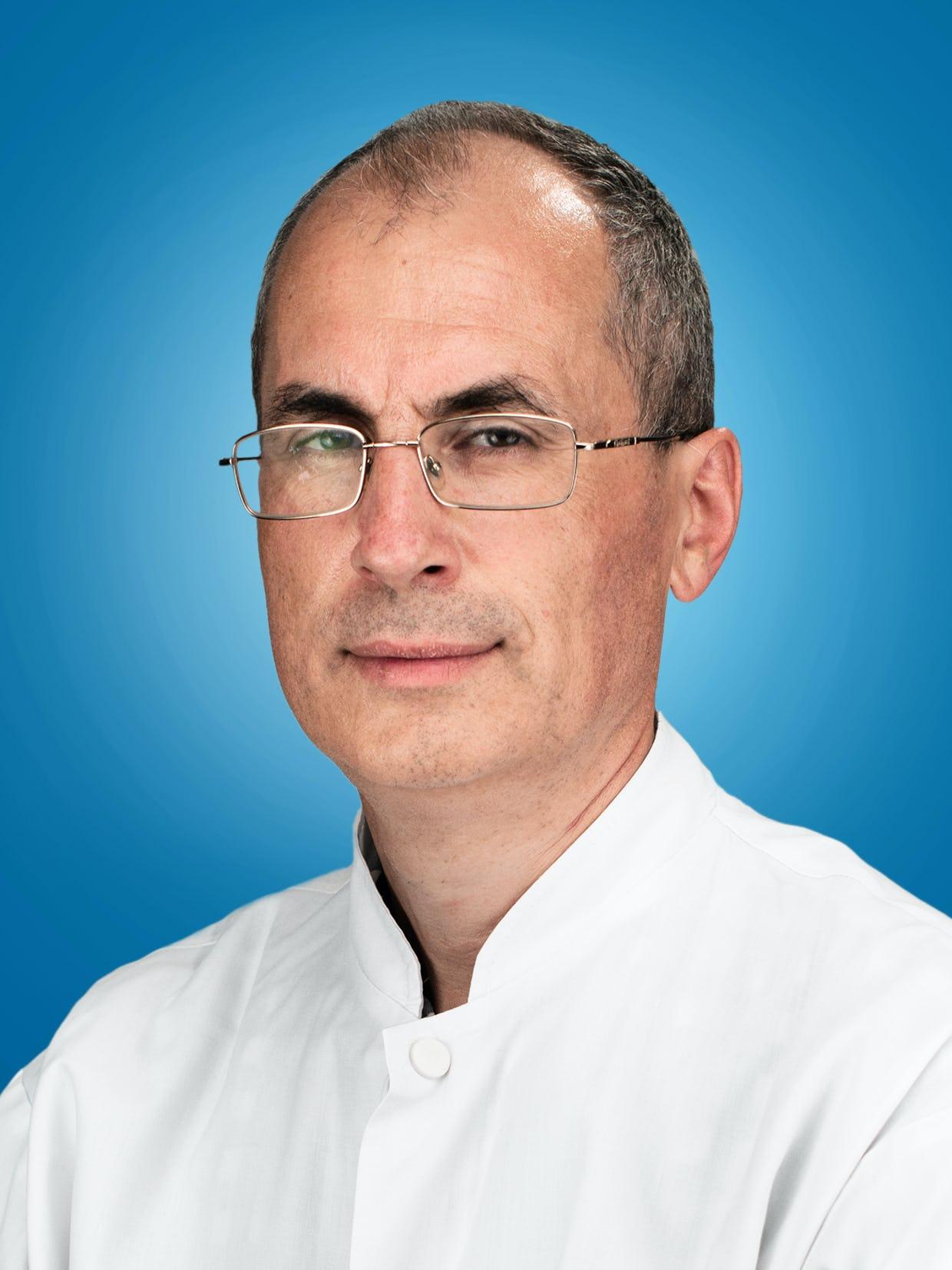 Doctor Ion Bostan, medic primar cardiolog la Centrele Ares